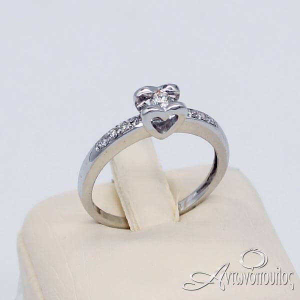 Δαχτυλίδι Μονόπετρο Καρδιά Λευκόχρυσο 18 Καράτια με Brilliant - rn042